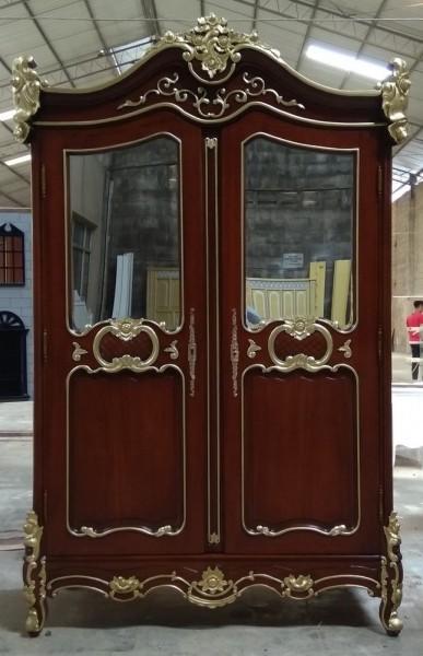 Barock Schrank Kleiderschrank 2-türig mit Spiegel, Repro-Antik-Design, Mahagoni massiv holz, gold Dekor, ausgefallen mit aufwendiger Holz schnitzerei.