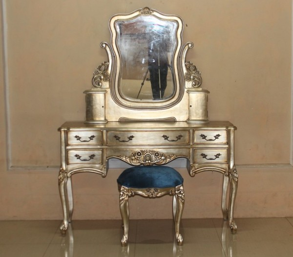 Barock Tisch Schminktisch, Repro-Antik-Design, Mahagoni massiv holz, belegt Blattgold, ausgefallen exclusive