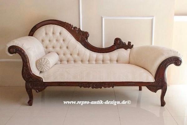 Barock Chaiselongue Sofa , Repro-Antik-Design Nussbaum gebeizt mit creme goldenem Stoffbezug  Mahagoni massiv holz