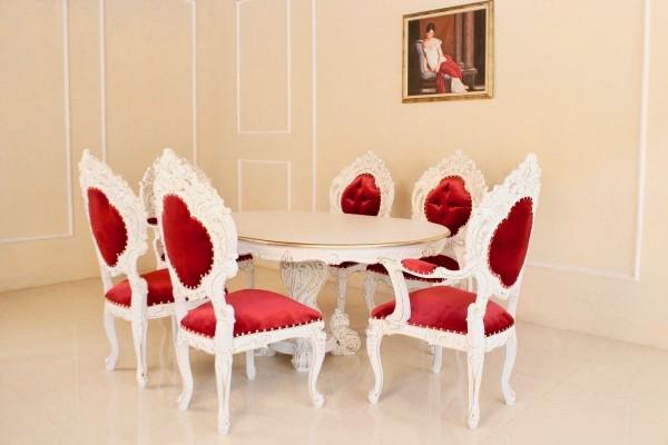 Barock Esszimmer Stühle Tisch Garnitur Polstermöbel, Repro-Antik-Design, , Mahagoni massiv Holz, weiß gold rot Goldnieten , aufwendige Holzschnitzerei