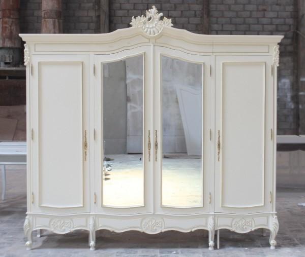 Barock Schrank Kleiderschrank 4-türig mit Spiegel, Repro-Antik-Design, Mahagoni massiv holz, gold Beschläge,weiß lackiert,ausgefallen, mit aufwendiger Holz schnitzerei.