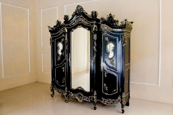 barock kleiderschrank angel armoire mit spiegel 3 t rig schwarz mit starkem gold dekor. Black Bedroom Furniture Sets. Home Design Ideas