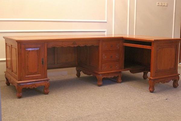 Barock Tisch Schreibtisch Partnertisch , Repro-Antik-Design, Mahagoni massiv Holz aufwendige Holzschnitzerei