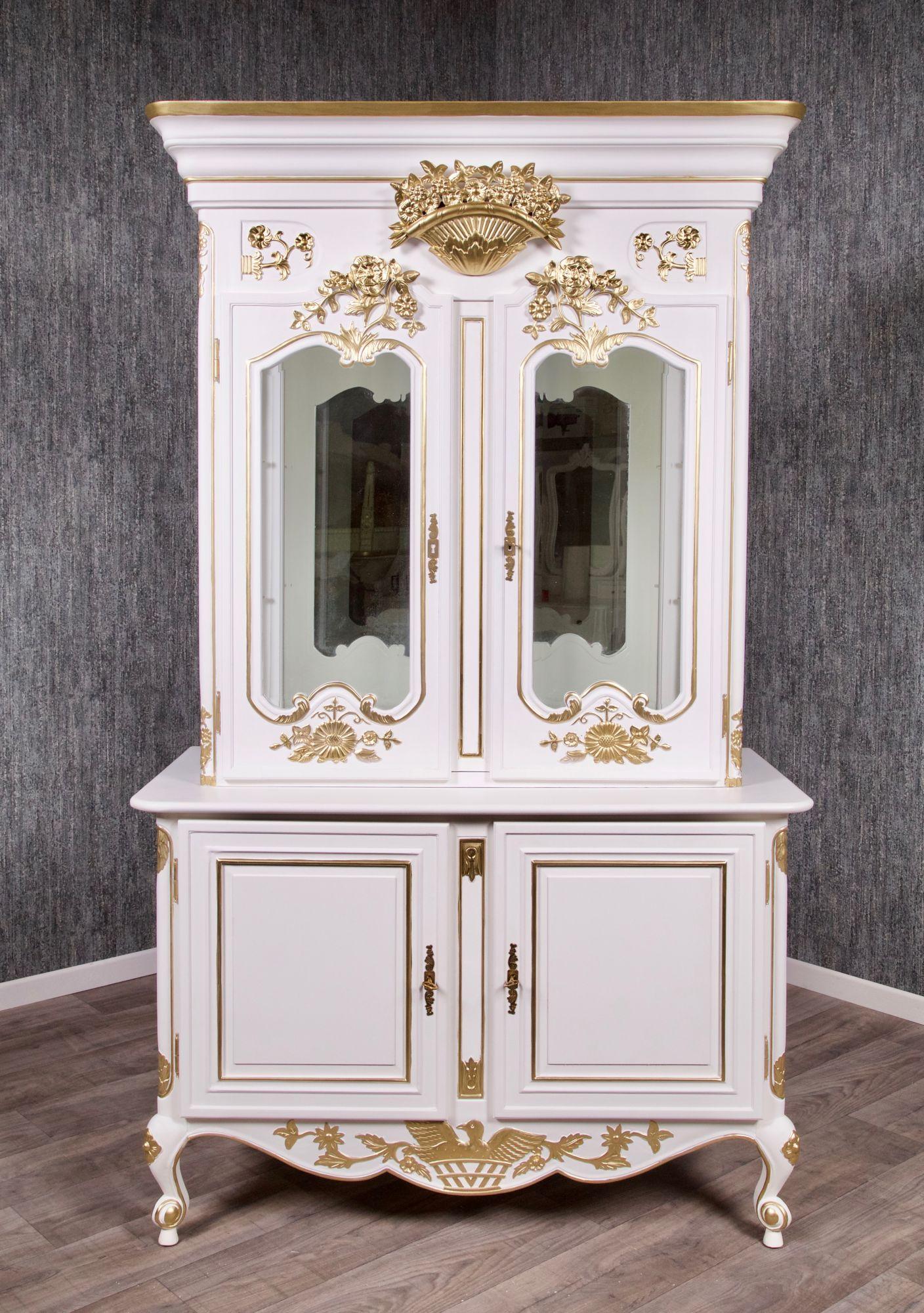barock buffet rar 004 gs in wei mit starkem gold dekor. Black Bedroom Furniture Sets. Home Design Ideas