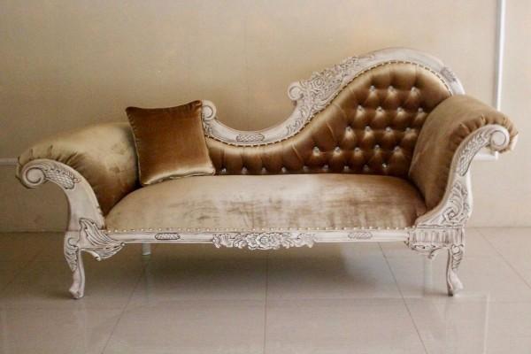 Barock Chaiselongue Sofa , Repro-Antik-Design Mahagoni massiv holz alt weiß, creme gold samt Stoffbezug  aufwendige Holzschnitzerei