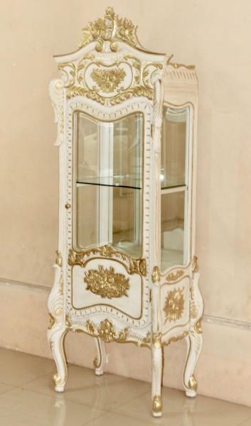 Barock Vitrine, 1-türig mit Spiegel , lackiert in Alt-weiß gold Dekor,Repro-Antik-Design, Mahagoni massiv holz , aufwendige Holzschnitzerei