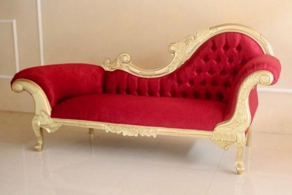 Barock Chaiselongue Sofa , Repro-Antik-Design Mahagoni massiv holz , rot samt Stoffbezug  aufwendige Holzschnitzerei gold