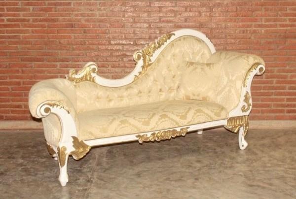 Barock Chaiselongue Sofa , Repro-Antik-Design Mahagoni massiv holz weiß gold Dekor, aufwendige Holzschnitzerei  Stoffbezug creme gold Ornamente