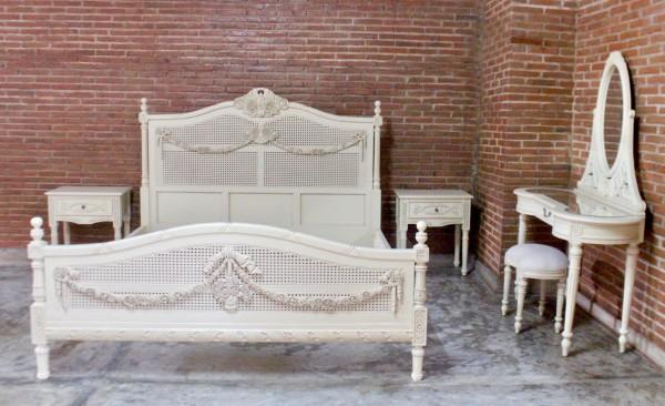 Barock Bett , Repro-Antik-Design, Mahagoni Massiv Holz exclusive