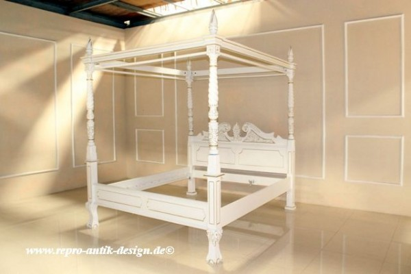 barock bett himmelbett betten shop repro antik design. Black Bedroom Furniture Sets. Home Design Ideas