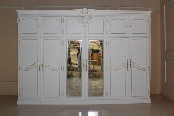 Barock Schrank Kleiderschrank 6-türig mit Spiegel, Repro-Antik-Design, Mahagoni massiv holz, gold Beschläge,weiß gold lackiert,ausgefallen, mit aufwendiger Holz schnitzerei.