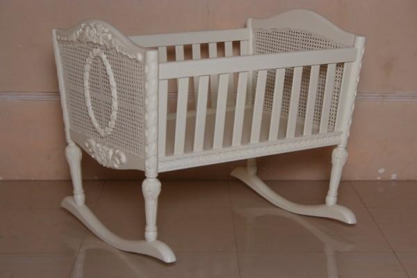 Barock Babybett Kinderbett Wippe Gitterbett, Repro-Antik-Design, ausgefallen exklusive lackiert in weis