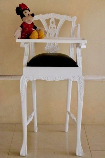Barock Stuhl Kinderhochstuhl , lackiert in weiß, Repro-Antik-Design, Mahagoni massiv holz, aufwendige Holzschnitzerei