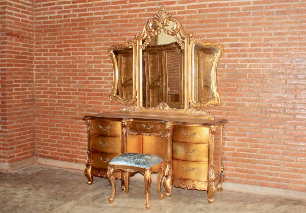 barock schminktisch frisiertisch kommode belegt mit blattgold mit hocker schminktische. Black Bedroom Furniture Sets. Home Design Ideas