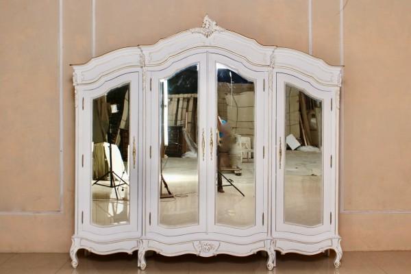 Barock Kleiderschrank RAR 052 4D mit Spiegel 4-türig, lackiert in Antik-weiß mit leichtem gold Dekor